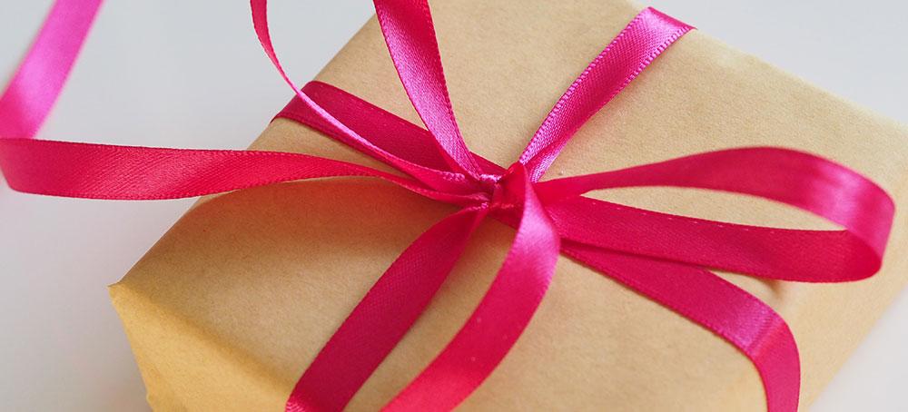 De beaux cadeaux pour votre famille d'accueil